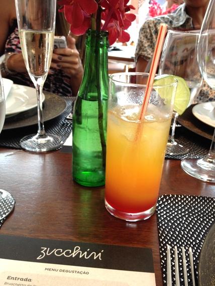 Experimente o drink da casa que pode ser servido com ou sem álcool. Foto Senhora Mesa. Todos os direitos reservados.