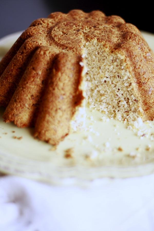 Bolo de Linhaça, sem Açúcar, Farinha de Trigo ou Ovo!