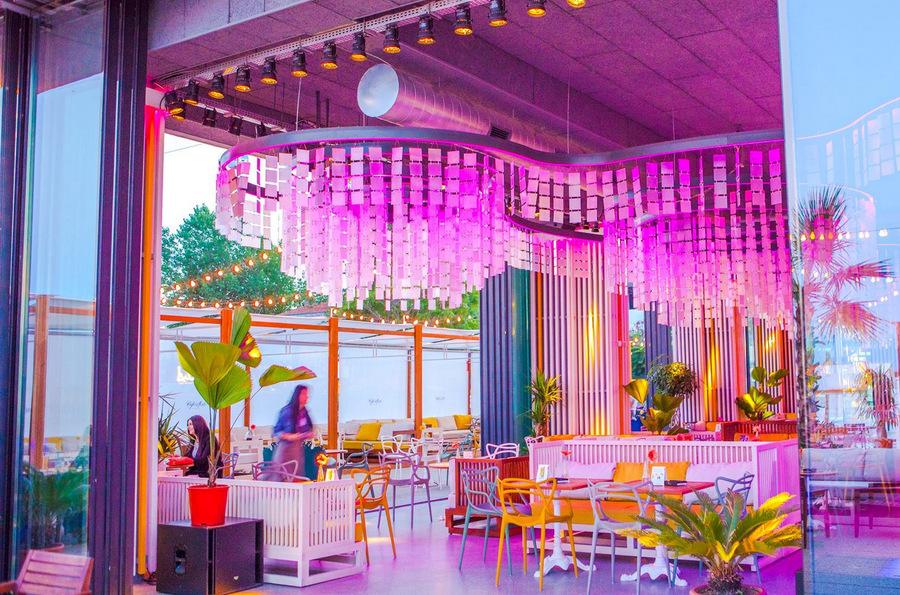 Café del Mar recria pôr do sol em hotel de Maiorca e Ibiza