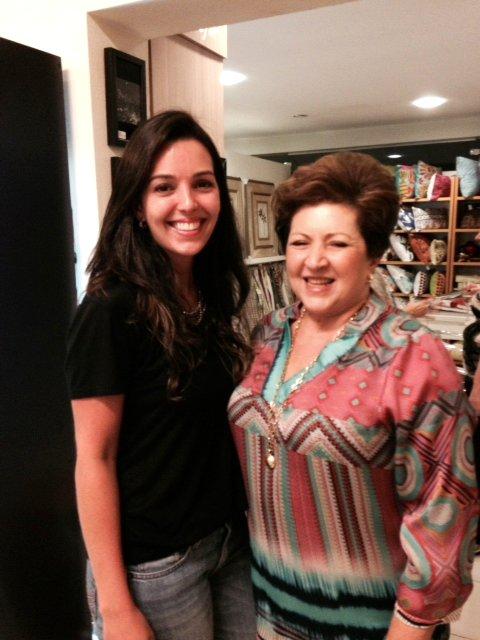 Eu e Maria Helena Kalaf, proprietária e uma curadoria impecável para as peças!
