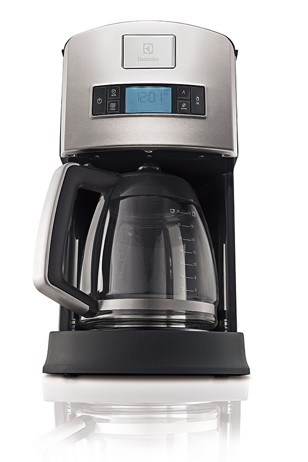 cafeteira-pro-CMP10-electrolux-senhora-mesa