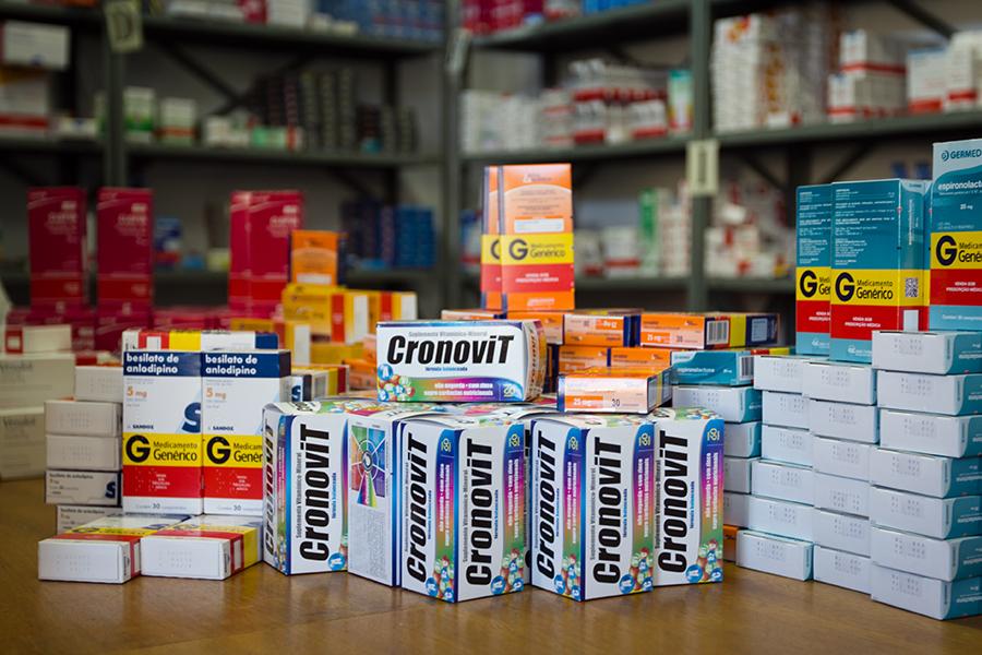 entrega-de-remedios-FUSSP-senhora-mesa-4