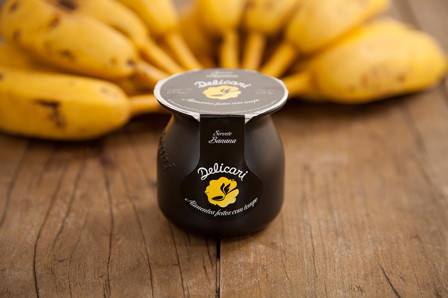 novo-sabor-banana-delicari-senhora-mesa