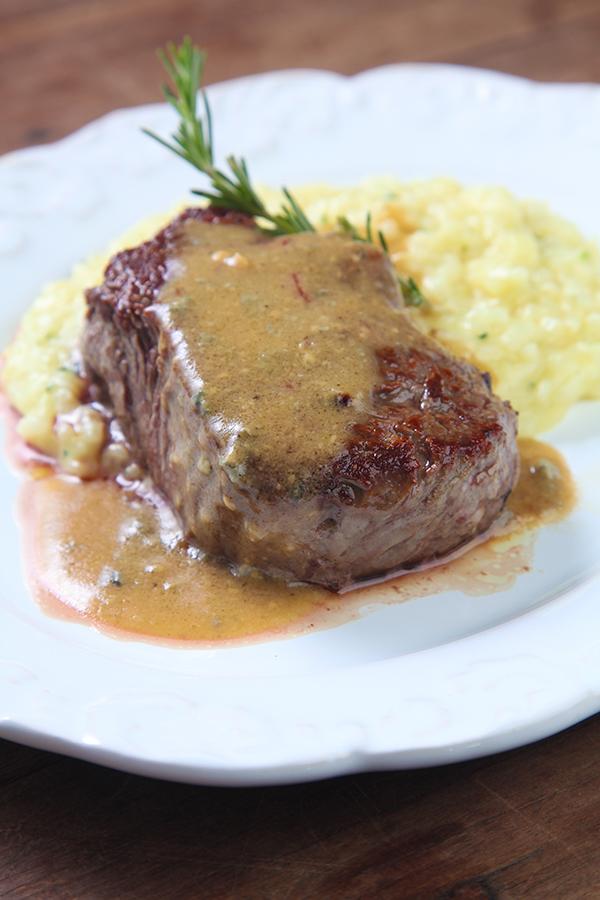 restaurante-marupiara-filet-recheado-senhora-mesa