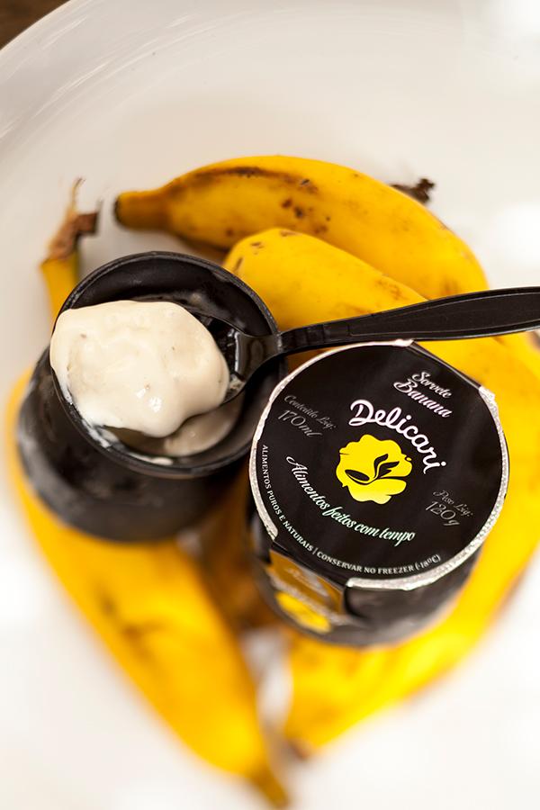 sorvete-banana-delicari-senhora-mesa