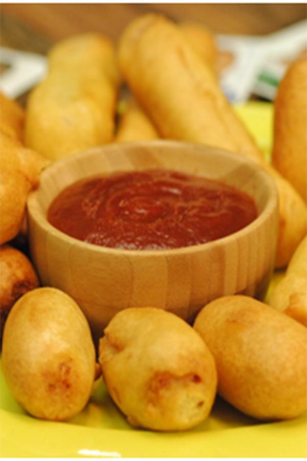 Chef Guga Rocha ensina receita de Corn Dog para alegrar o Dia das Crianças