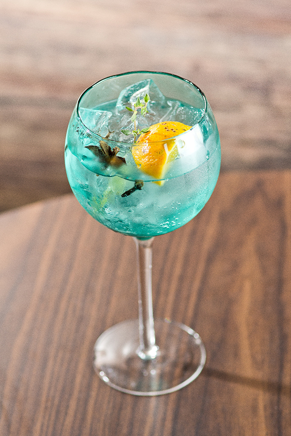 drink-surya-senhora-mesa