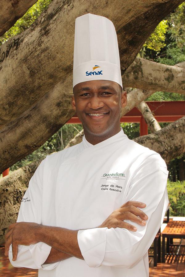 Chefs do Grande Hotel Senac revezam o comando de suas cozinhas