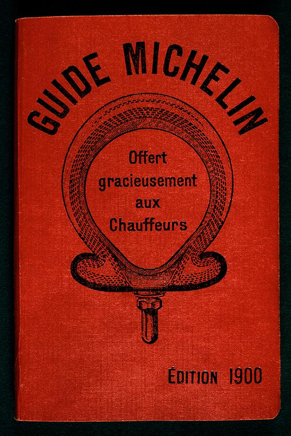 guia-MICHELIN-Franca-1900-senhora-mesa