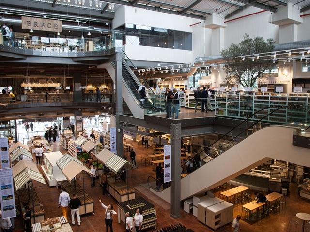 Eataly em São Paulo conta com 3 andares e mais de 7.000 produtos. Um verdadeiro parque de diversão para os foodies. Foto Divulgação.