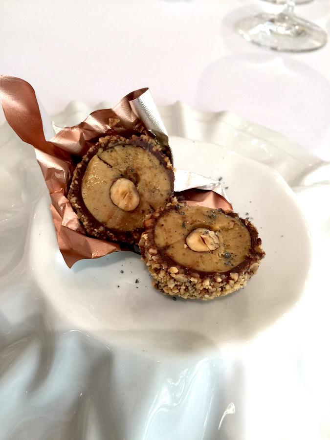 Ferrero Rocher de Foie Gras. Uma delícia. Bem delicado.