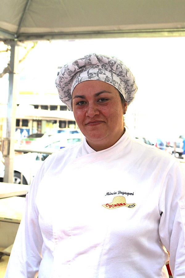 Uma porção de mini pastel de cucagna que concorre no Festival Sabor de São Paulo foi apresentado pela chef Marcia Degasperi! Macio e gostoso!