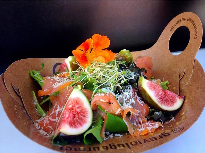 Graviola-salada-de-salmao-senhora-mesa