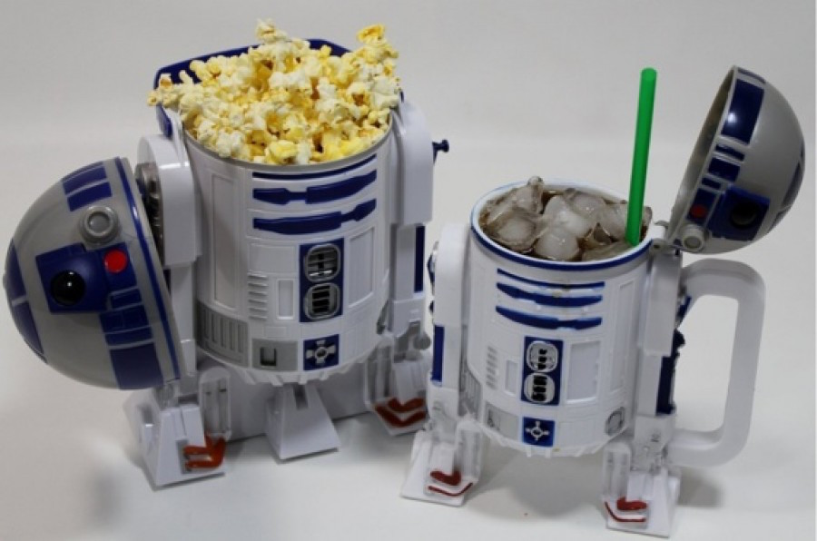 r2-d2-movie-accessories-1-1024x678-900x596