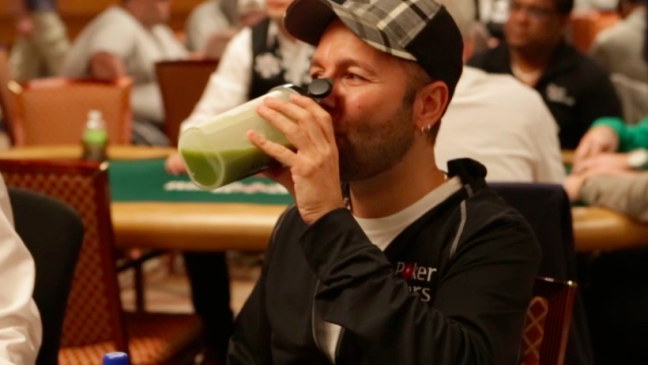 Alimentação saudável é fundamental para o bom desempenho do jogador de poker.