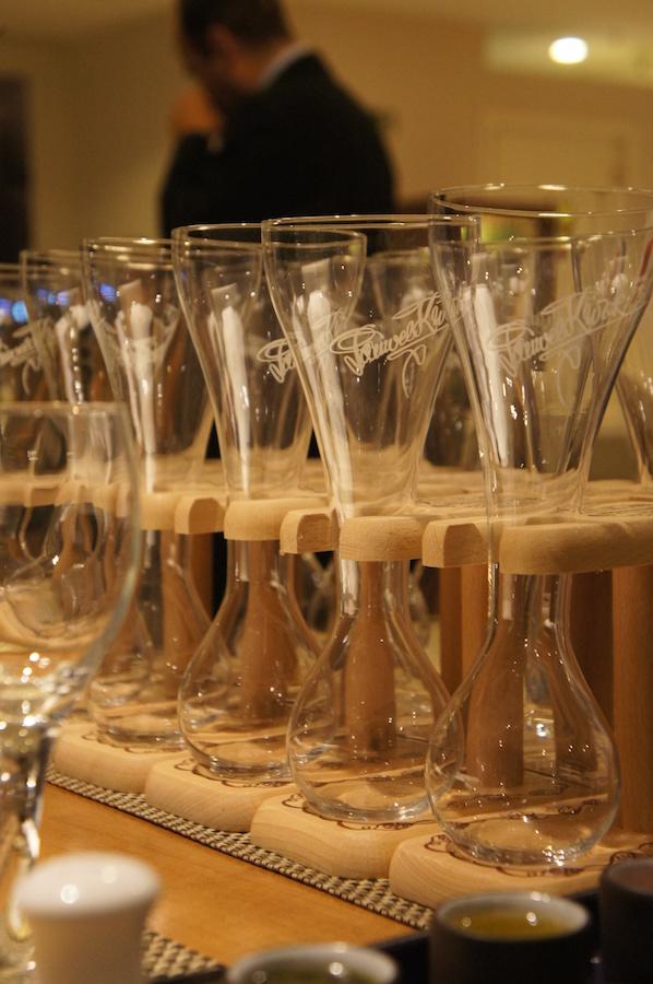 Cobiçados copos Yard da Kwak